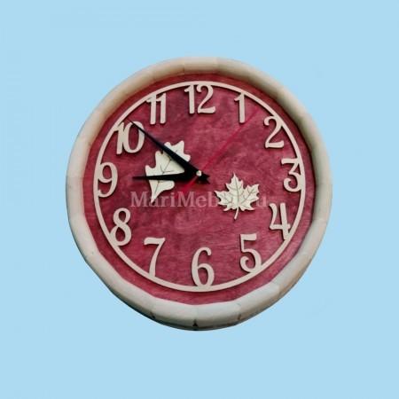 Часы деревянные «Бочка» с листочками